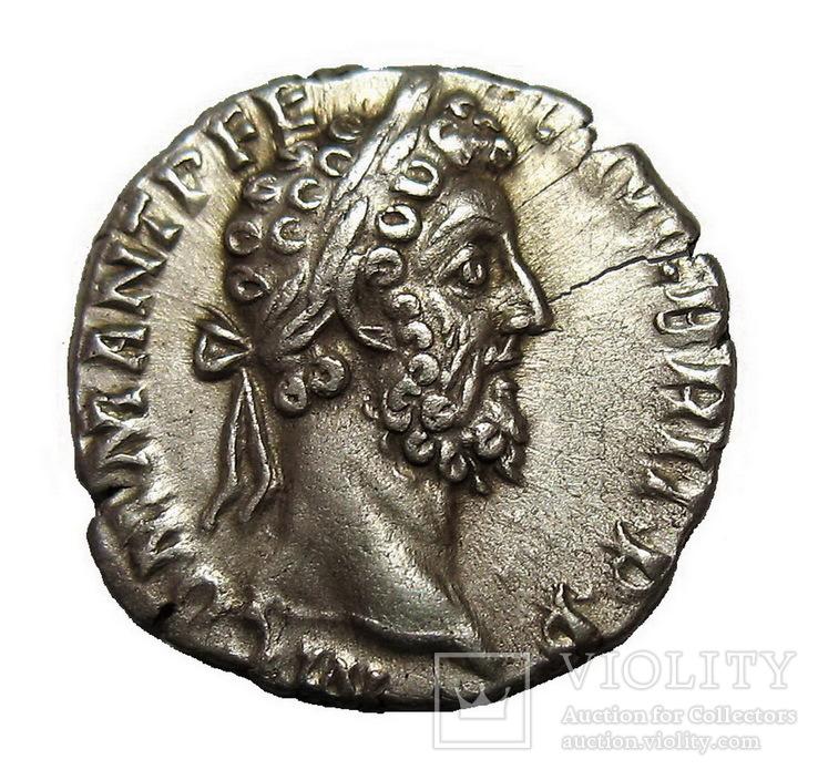 Денарий Коммод 177-192 г. н.э.