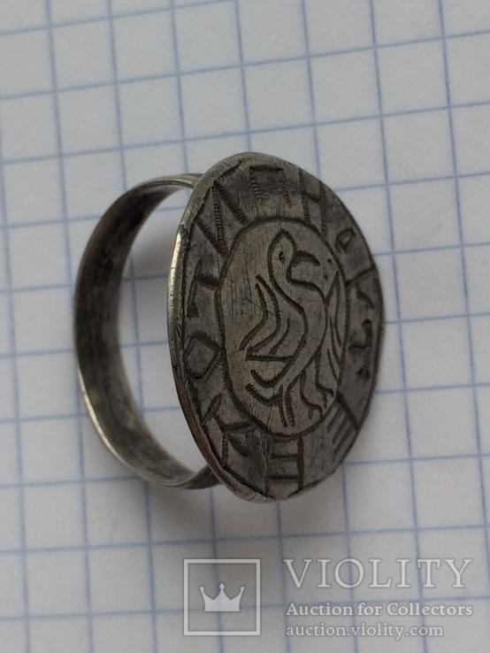Перстень-печать  Галицько Волинського типу. Срібло. З написами.