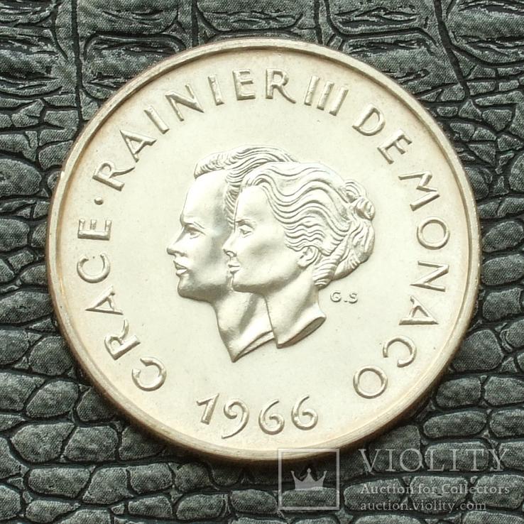 Монако 10 франков 1966 10-летие свадьбы князя Ренье и Грейс Келли, фото №3