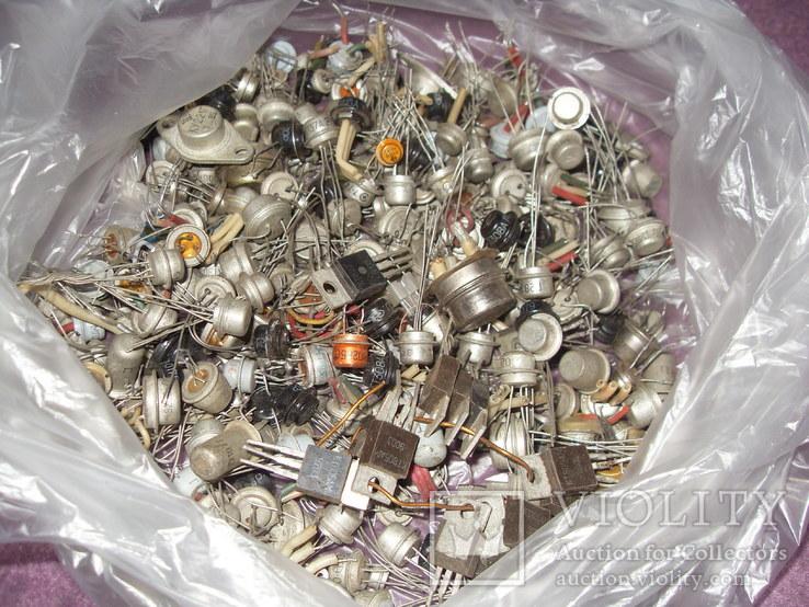 Транзисторы 625 грамм.