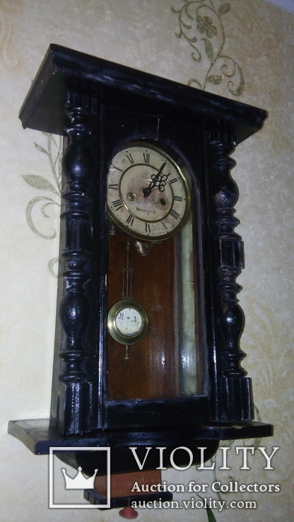 Настенные часы Юнггансь.