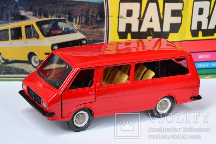 РАФ-2203 А18