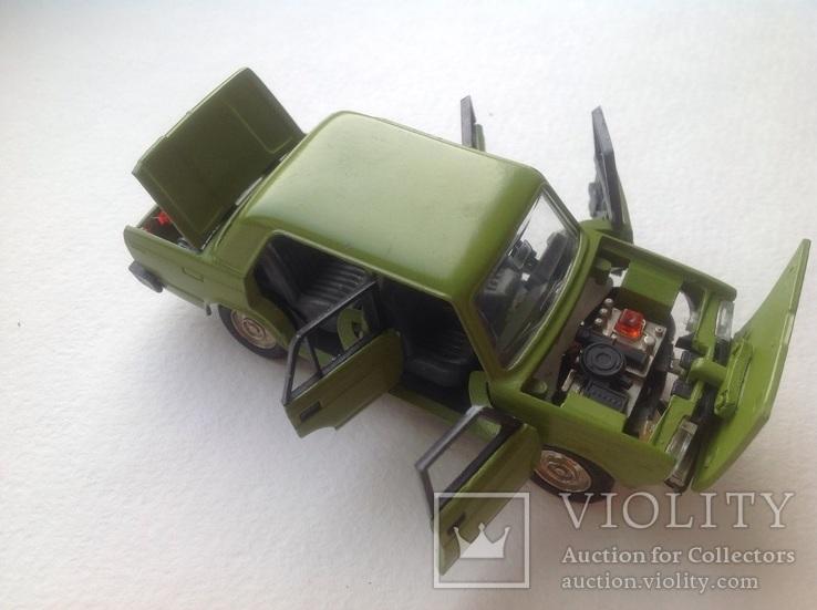 Модель 1/43 ВАЗ-2105