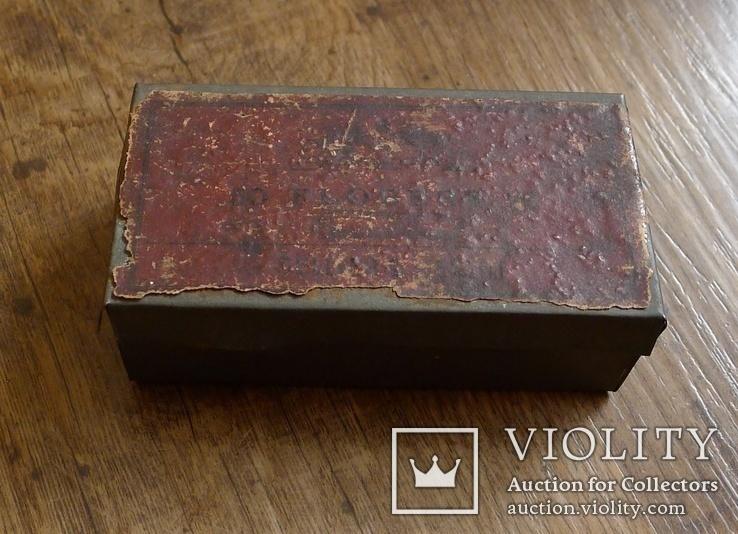 Старинная жестяная коробка из под патронов Флобера.