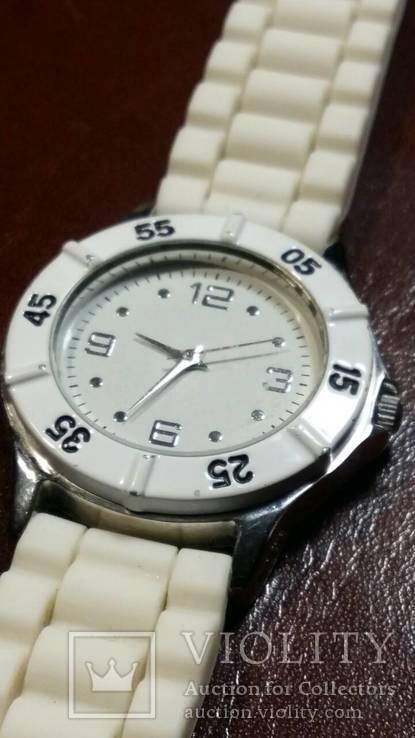 Женские кварцевые часы, фото №2