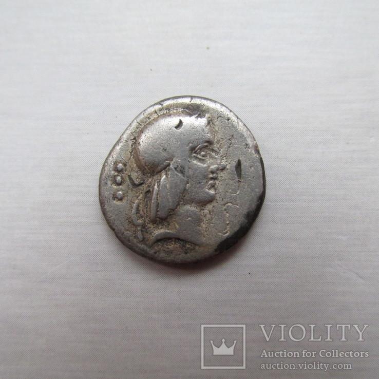 Республиканский денарий, L. Calpurnius Piso Frugi , 90 г. до н. э.