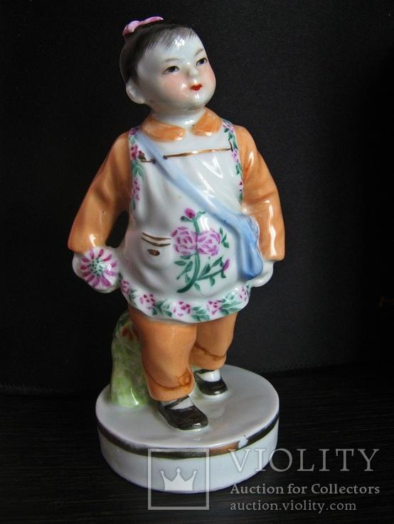 Девочка с цветком. Старый Китай 50-е годы.