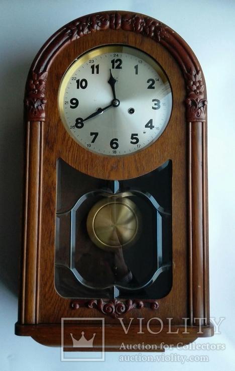 Настенные часы с боем фирмы Hamburg-Amerikanische Uhrenfabrik(HAU)