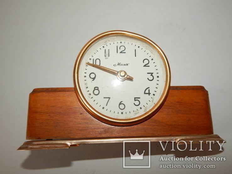 Часы настольные маяк 4426