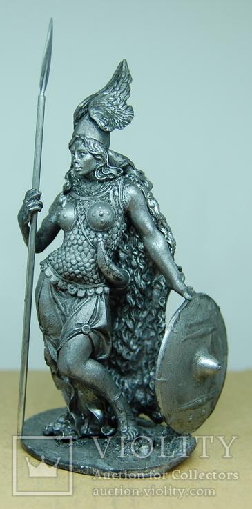 Валькирия с копьем и щитов. Воительница. 105мм