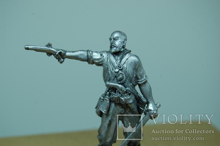 Пират прицелился из пистолета. 65мм, фото №3