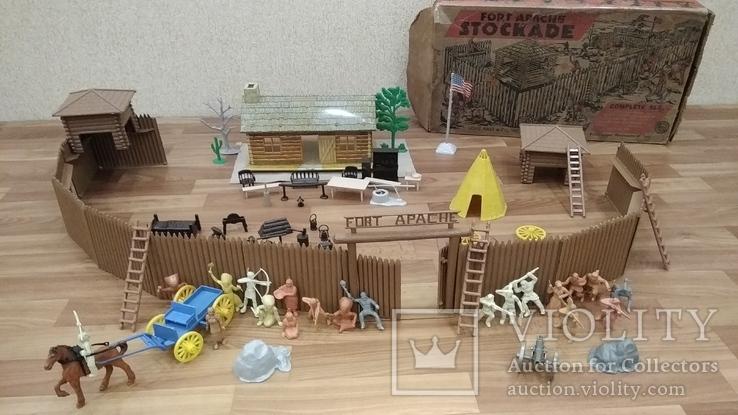 Игровой сет Форт Апачей 20 фигур + декорации 1950-1952гг. пр-ва оригинал США