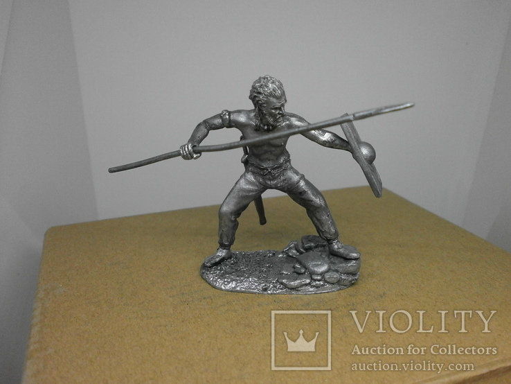 Воин со щитом и пикой. 60мм