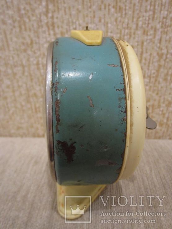 Часы будильник Витязь белый циферблат, фото №3