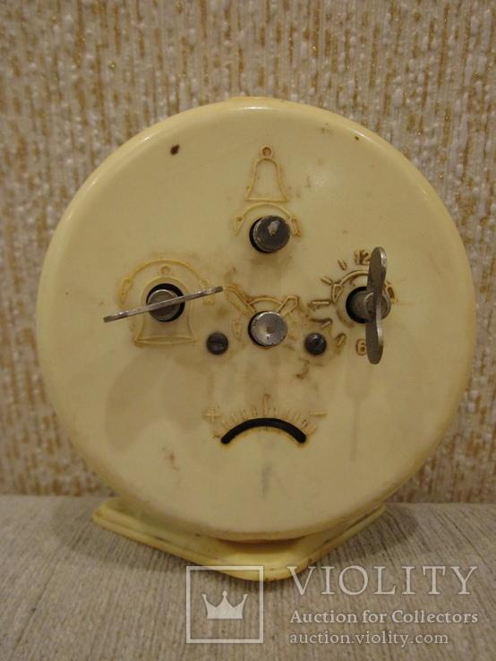Часы будильник Витязь белый циферблат, фото №4