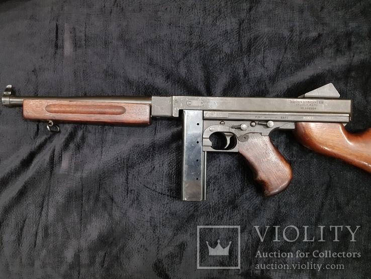 Томпсон Thomson USA, пистолет-пулемет, ММГ Макет.
