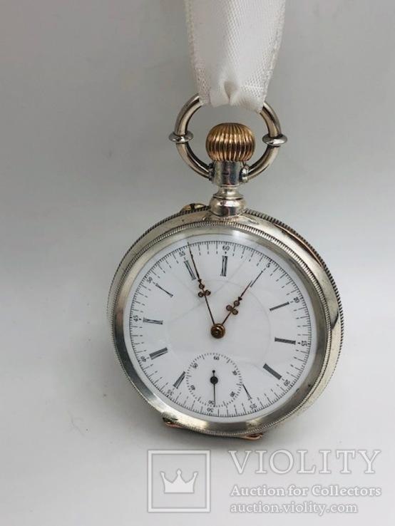 Антикварные часы в серебре.