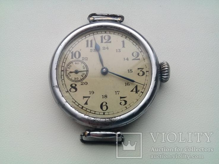 Наручные часы 1940г на ходу.