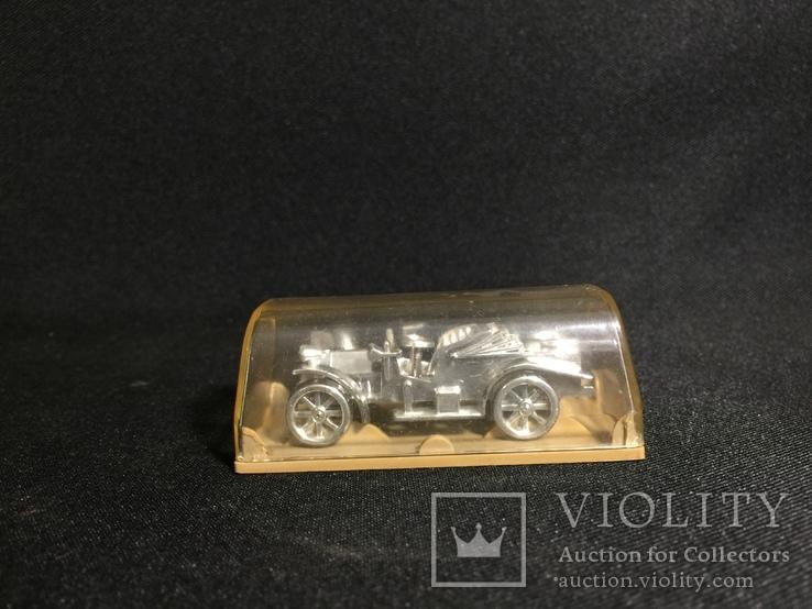 Модель ретро автомобиля, фото №4