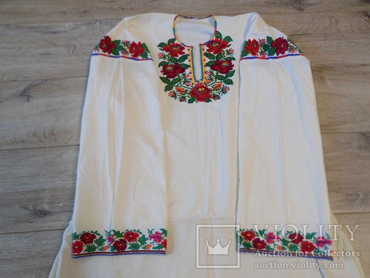 Борщівська вишиванка гладдю з квітковим орнаментом, фото №2