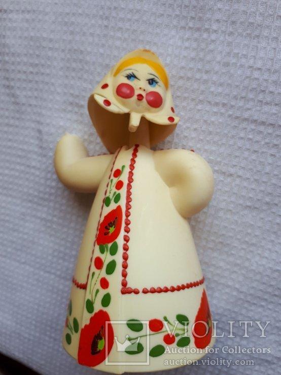 Кукла болванчик качается