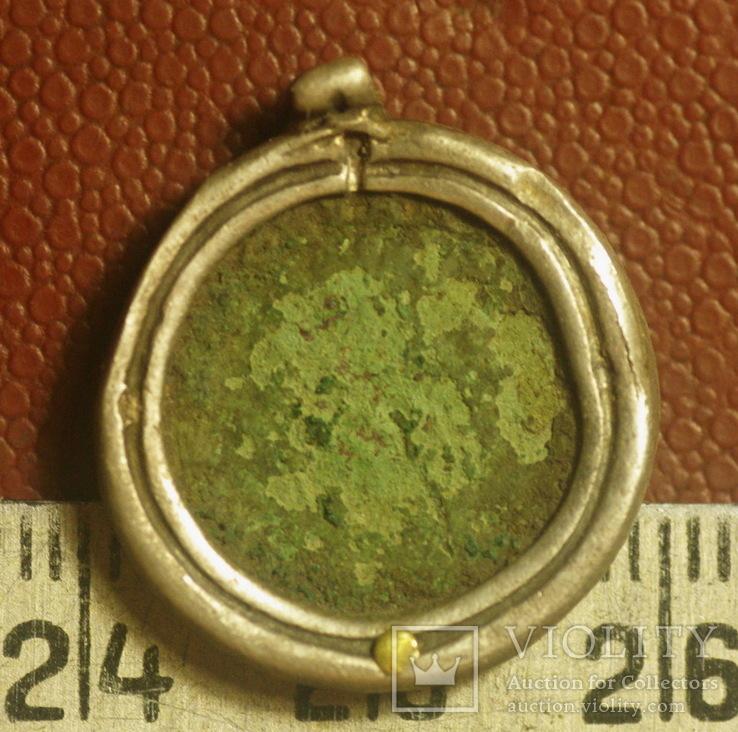 Черняховский медальйон. Монета, серебро, золото.