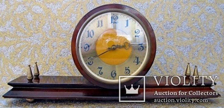 Часы наcтольные