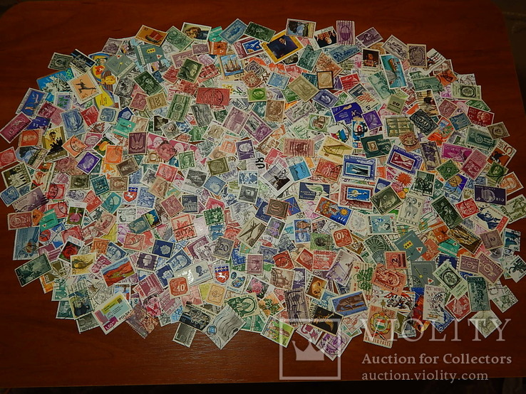Лот иностранных марок 620 шт.