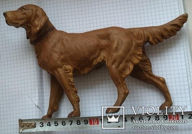 Большой старинный собачка в покраске.