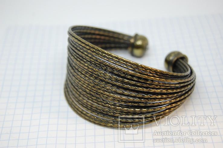 Широкий жесткий браслет с маркировкой MNG (Mango), фото №4
