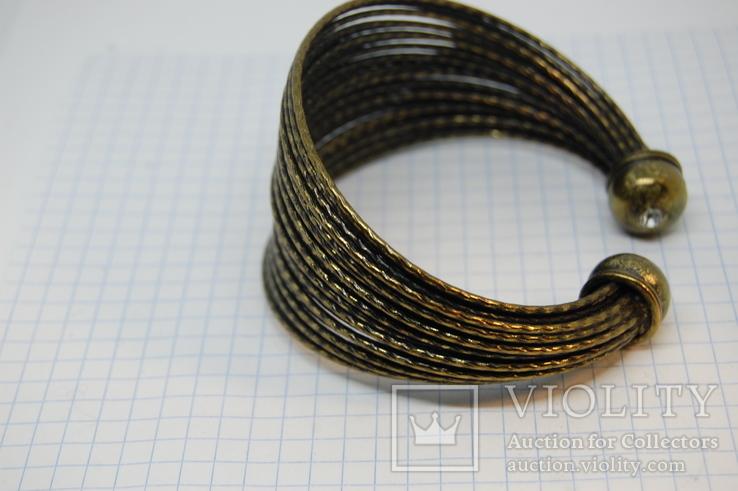 Широкий жесткий браслет с маркировкой MNG (Mango), фото №5