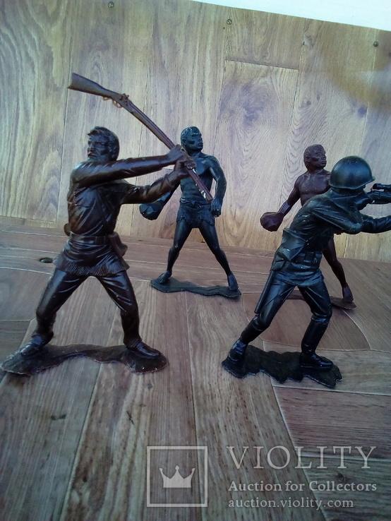 Болшые фигуры солдатов ссср + бонус подарок два солдата, фото №3