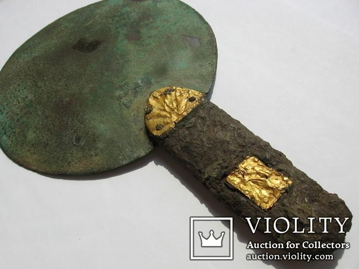Скифское зеркало с золотыми пальметтами 5-4в.до н.э и бляшками звер.стиля в рукояти, фото №9
