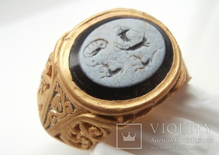 Римский перстень с геммой . Инталия .I-II век.