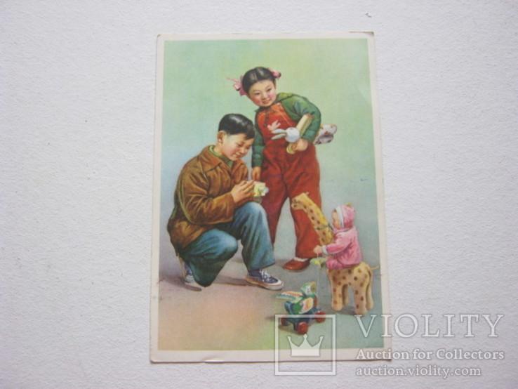 Дети с игрушками старый Китай