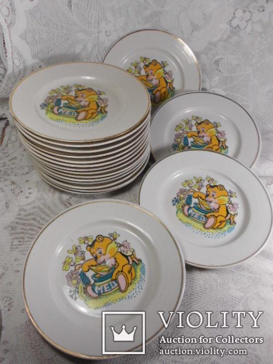 Тарелки мелкие детские Мишка мед 18 штук СССР