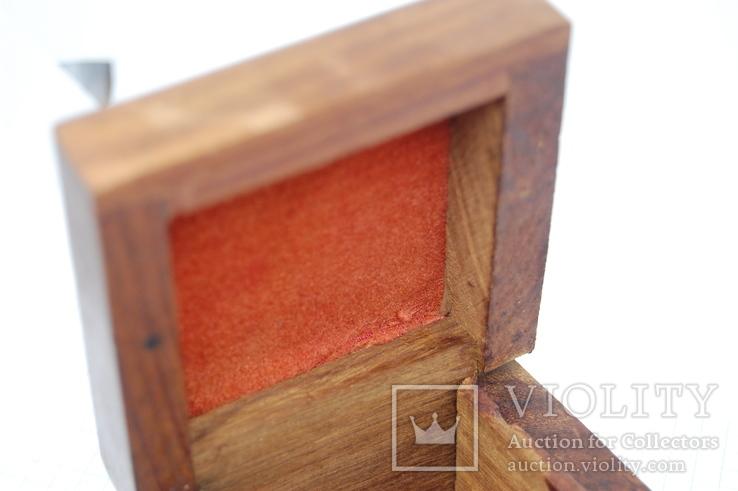 Деревянный футляр. Резьба, инкрустация латунью, фото №11