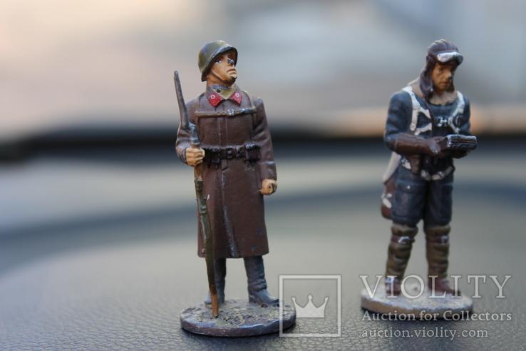 """Два вояки 41 та 42 року """"вага 151 грам. висота 6,3 см., фото №3"""
