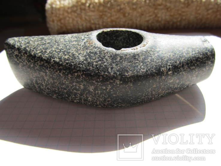 Каменный топор - молот.