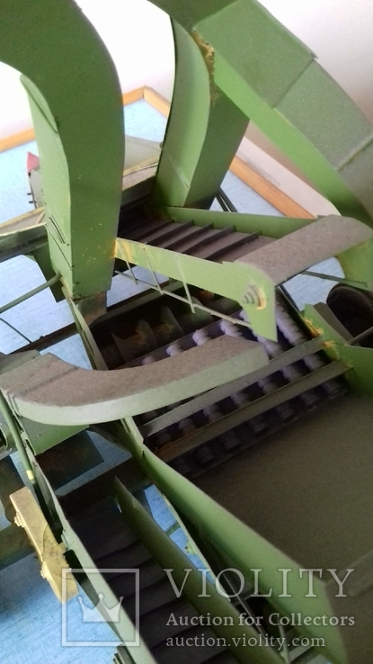 Макет кукурузоуборочного комбайна (320х440х250), photo number 3