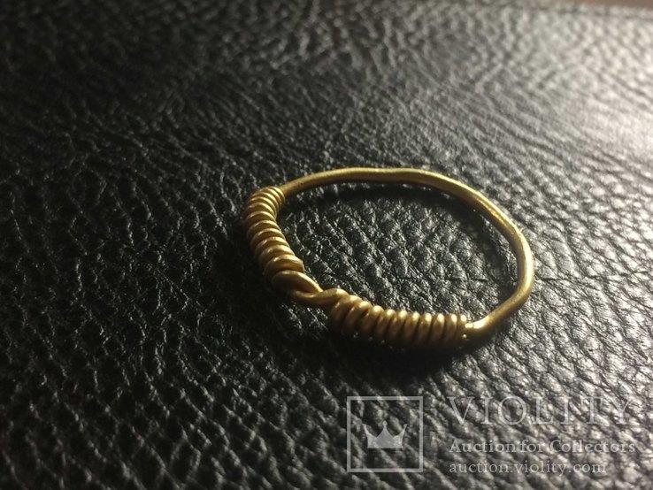 Золоте вісочне кільце ЧК