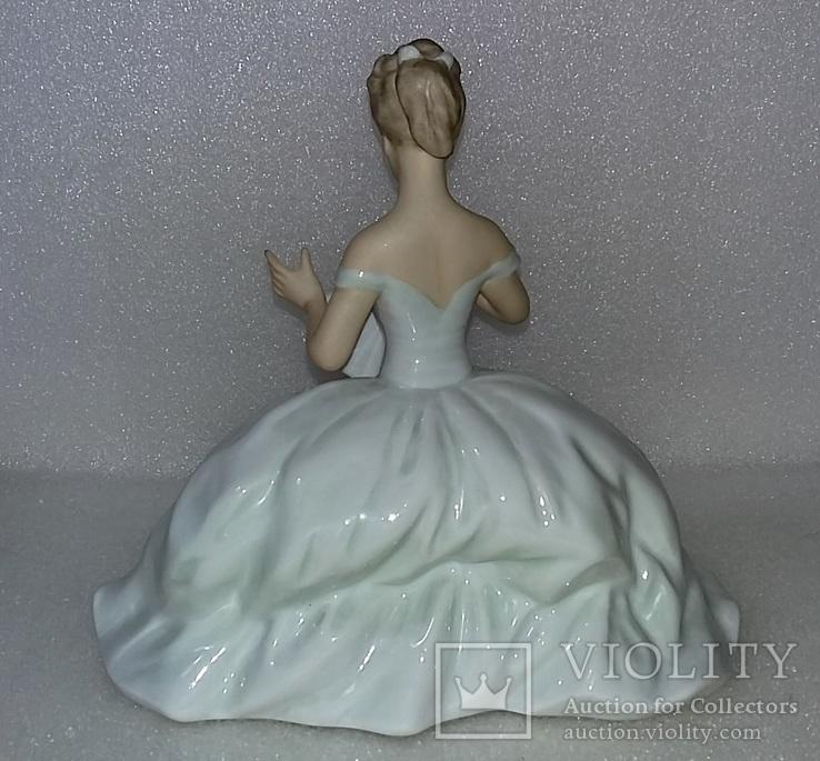 18. Фарфор. Германия. Wallendorf. Валлендорф. Балерина. Девушка на пуфе с веером., фото №7