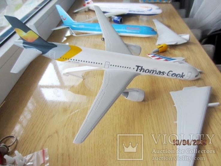 Три коллекционе самолета 1:100