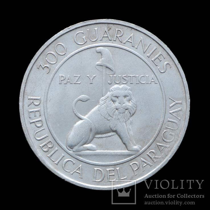 300 Гуарани 1976 4-й срок президента Альфредо Стресснера (Серебро 0.720, 26.6г), Парагвай