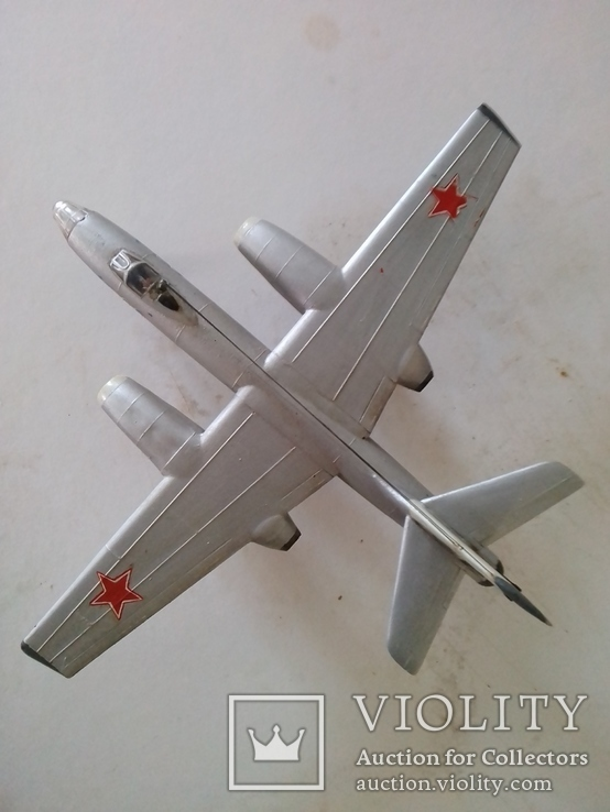 Іл-28 м 1:72 (виробник НДР 1970-1980рр.)