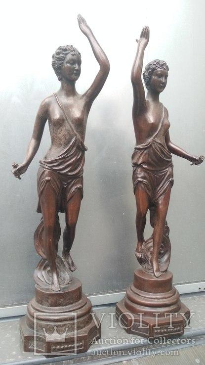 Две большие бронзовые фигуры ,клейма.