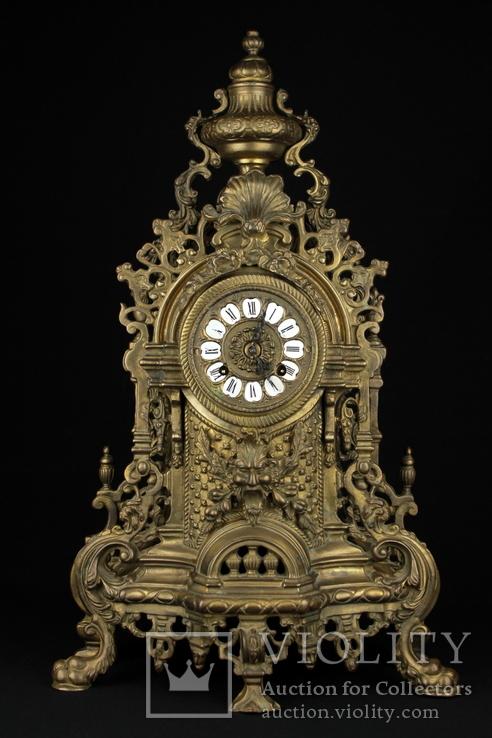 Каминные часы в бронзовом корпусе. Рококо. FHS. Высота 595 мм. 14 кг. Германия. (0159)