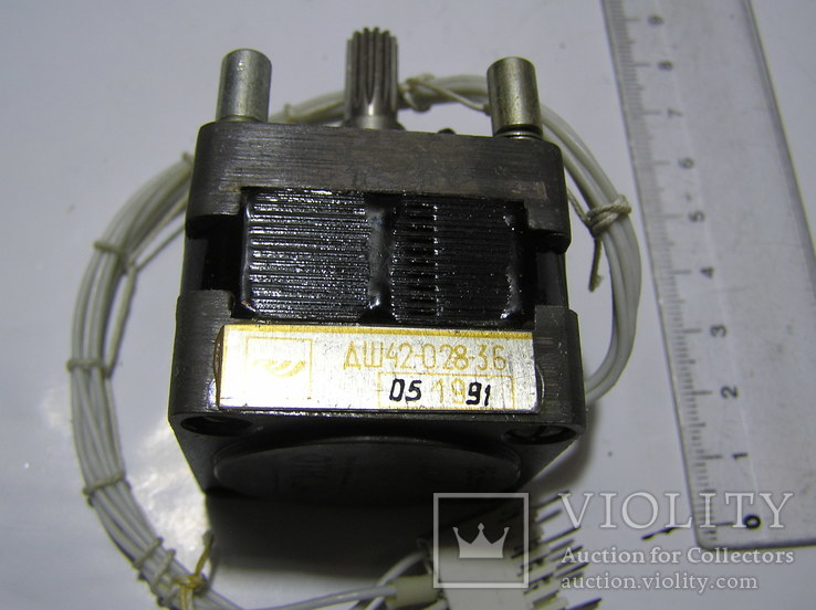 Шаговый двигатель ДШ42-0,28-3,6., фото №4