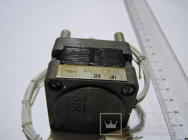 Шаговый двигатель ДШ42-0,28-3,6., фото №5