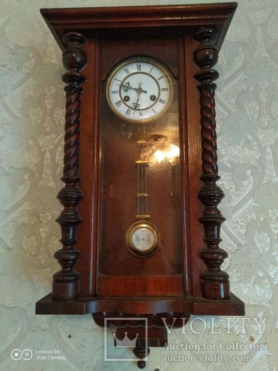 Часы Junghans.
